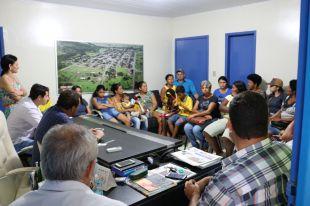 Prefeitura realiza reunião com moradores do Bom Retiro I para solucionar problemas nas unidades habitacionais