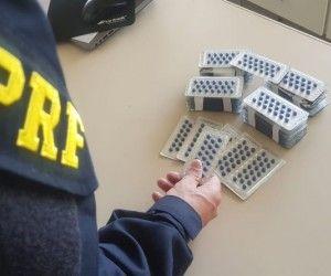PRF apreende em Coxim 1020 comprimidos de medicamento de venda proibida no Brasil