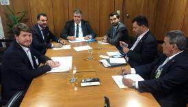 Prefeito Waldeli volta das férias e participa de reunião com ministro Marun e presidente da Funasa Rodrigo Dias, em Brasília