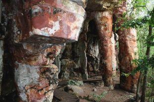 Visita guiada debate arqueologia e conservação de arte rupestre no Município
