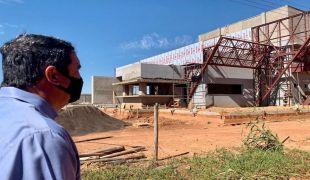 Riedel visita obras do Corpo de Bombeiros em Bonito que irá atender população e turistas