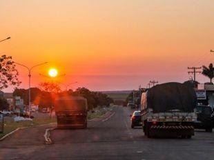 BR-163: do pôr do sol marcante ao mistério das lápides à beira da estrada