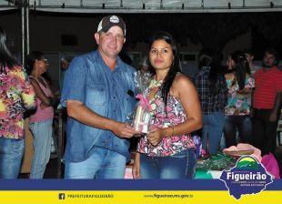 Secretaria de Infraestrutura, Agronegócio, Empreendedorismo e Meio Ambiente de Figueirão homenageia as mães na Feira Municipal do Produtor